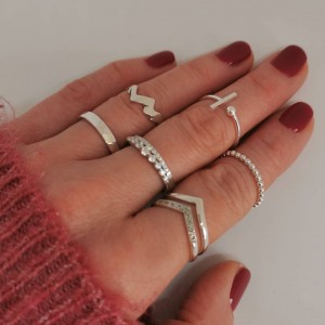 Choose your magic ring.💫💍 #nakit #srebrninakit #prstani #minimalizem #kupihitro #spletnatrgovina #www.anandashop.si