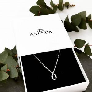 Poišči popolno darilo za materinski dan 👉 www. anandashop.si🎁🎁 Čaka vas - 20% na vse izdelke ✨ #naki̇t #srebrninakit #ogrlice #srebrneogrlice #modnidodatki #moda #minimalizem #trend #stil #kupihitrote