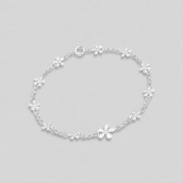 Zapestnica s srebrnimi rožicami