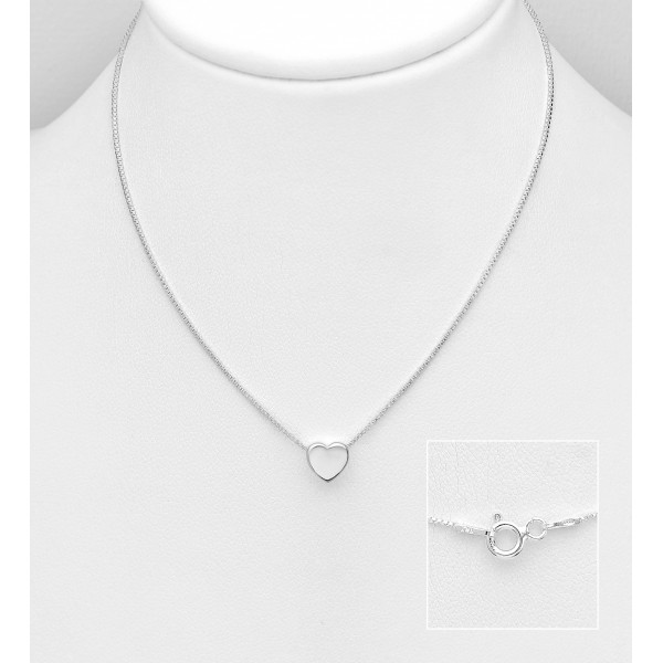 Srebrna ogrlica s srčkom